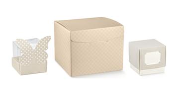 Dėžutės įvairių spalvų